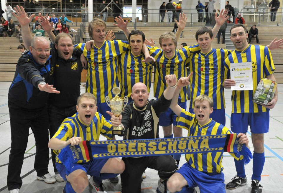 fussball/mannschaftsfotos/hallenmeister_2011_2012.jpg
